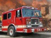 Condu masina pompierilor si stinge incendiul