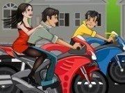 Saruturi pasionale pe motocicleta
