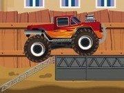 Cascadorii pe rampa cu Monster Trucks