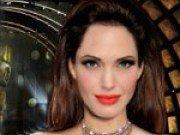 Angelina Jolie pe covorul rosu